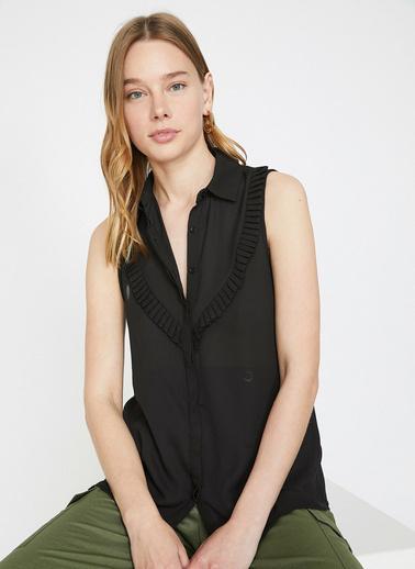 Koton Firfir Detayli Bluz Siyah